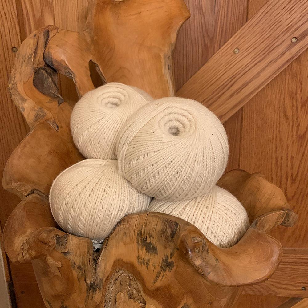 Creamy white 100% pure alpaca wool for knitting